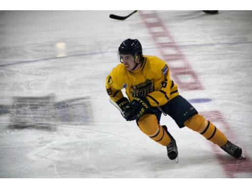 Ice Dogs Get Win In Shootout